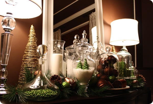 Dining Room Christmas Vignette From Thrifty Decor Chick