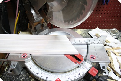 how to make a 45 degree cut molding