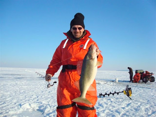 Ice fishing pics page 2 yamaha grizzly atv forum for Lake erie ice fishing