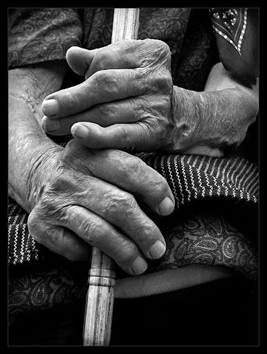 http://lh5.ggpht.com/_vxmKIjyAcUM/SkD5WZUnxeI/AAAAAAAAANs/rJXi8f8XsUw/anciana.jpg
