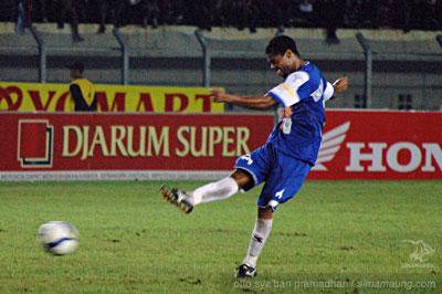 Hilton Moreira Persib vs Persisam 2009/2010