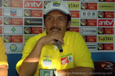 Jaya Hartono PSPS vs Persib 20092/2010