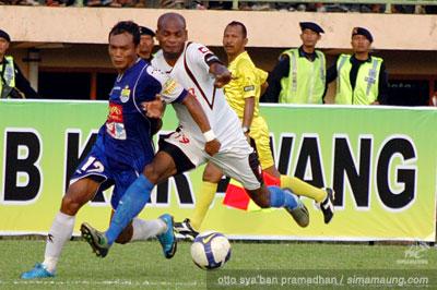 Gilang Angga Pelita Jaya vs Persib 2009/2010