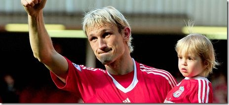 Sami Hyypia salutes the kop at his last game for Liverpool.