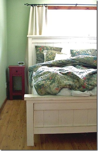 knockoffwood-farmhouse-bed-
