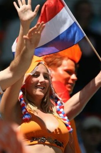 Dutch football chick