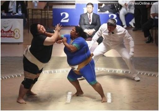 102810_1745_Ladysumowre5 - Sumo Wrestling Sa Mga Baje - Sports and Fitness
