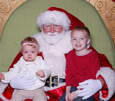 Santa pics 12-18-2010