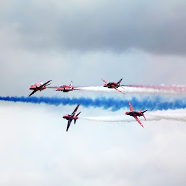 by Simon Fenrir-Rainy - Transportation Airplanes ( red arrows )