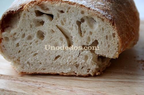 Pan artesano con técnica estirado plegado