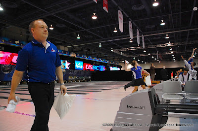 T Shirts tossed at 2009 USBC Bowlfest Las Vegas