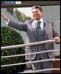 Apóstol de Jesucristo Dr. Samuel Joaquín Flores 12-Diciembre desde el balcón