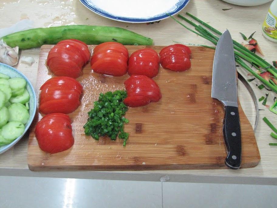 Les tomates et la ciboulette.