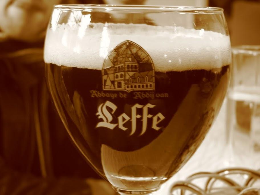 Un verre de Leffe.