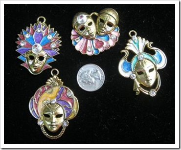 mask charms by leslietsy