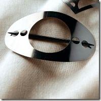 embrasse métal ovale