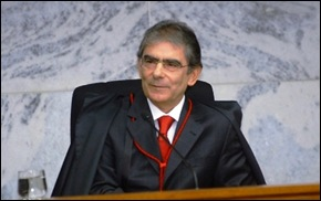 ministro do supremo Carlos Ayres Britto