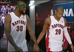basquete jogadores maos dadas