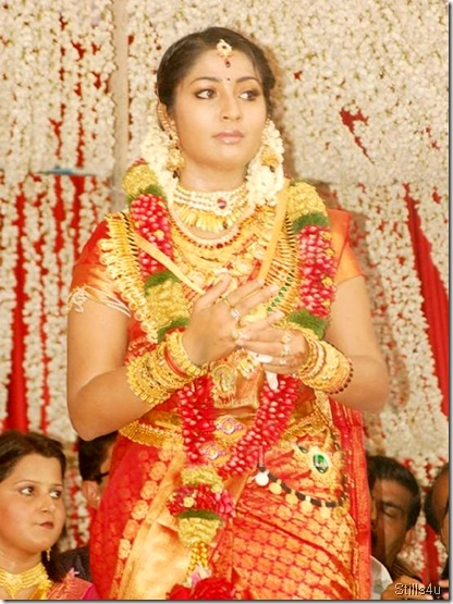 navya_at_her_marriage