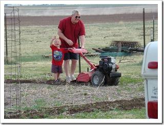 04-23-09 Garden work 05