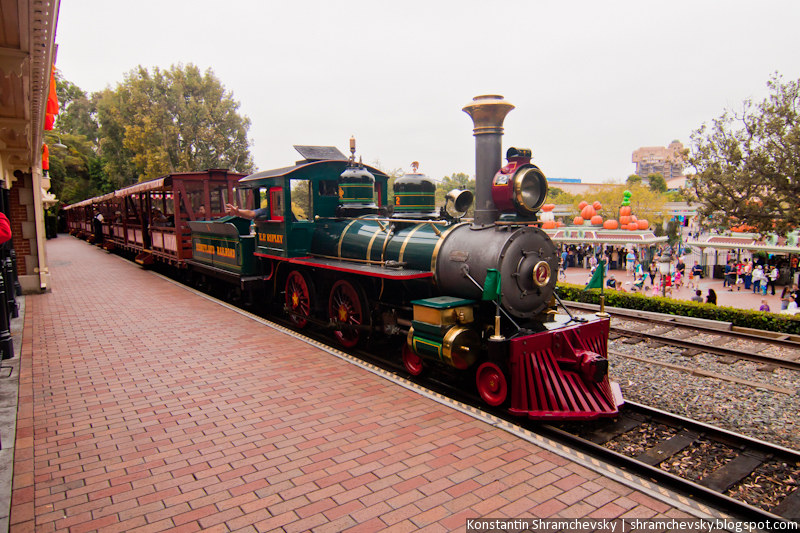 USA California Disneyland Anaheim Adventure Park Steam Locomotive Train США Калифорния Диснейленд Анахайм Парк Паровоз