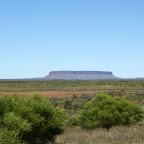 Mount Connor auf dem Weg zum Uluru. Schon sehr oft verwechselt worden.