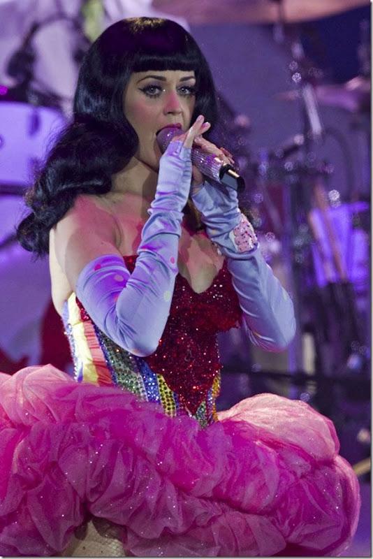Katy Perry com um vestido sexy (6)