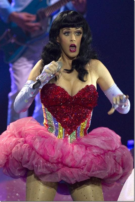 Katy Perry com um vestido sexy (3)
