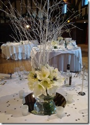 white-wedding-flowers-winter-amaryllis-ffce