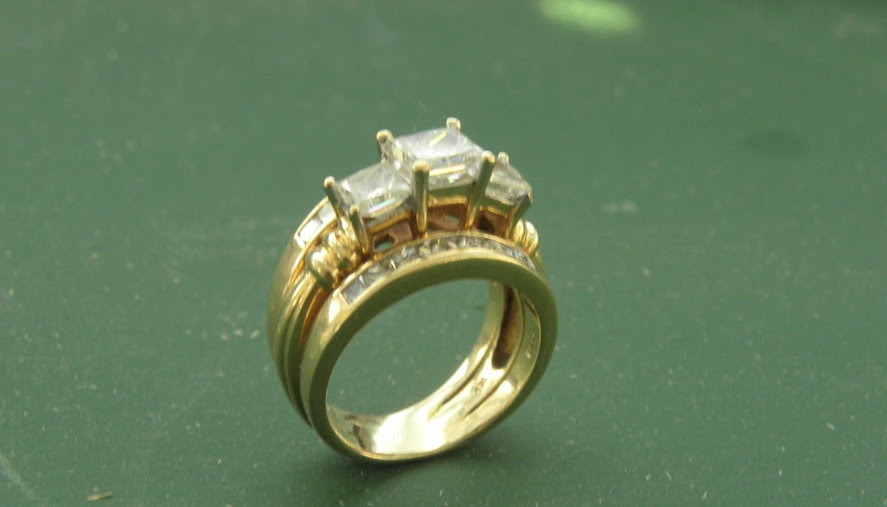Wisconsin Confidential For Sale … 14K Princess Cut Diamond Ring w Jacket $6