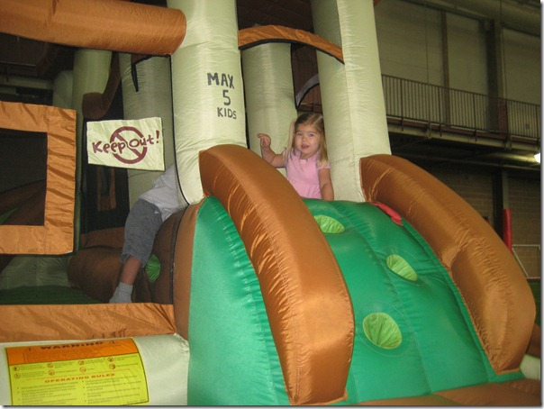 2010-06-16 Lucy fun 2295
