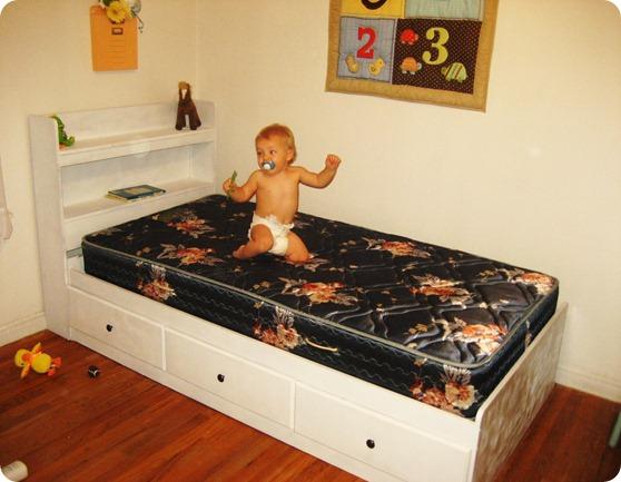 Jaxon Bed 121