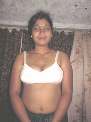 indian aunty without saree