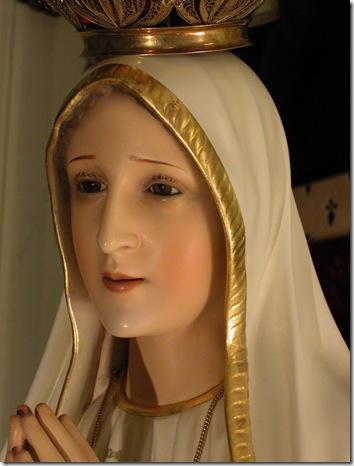 Sacred Statue - Christmas 2002  D (61)
