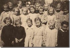 Week 2009-40 - Schoolfoto Meisjes 1946-47