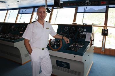 Nas aulas de condução de megaliners transatlânticos... mais 30 aninhos aqui e sou capitão!