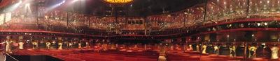 Esta é a vista que temos de cima do palco. Com as cadeiras cheias é de deixar-nos os nervos em franja!