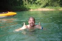 Nadar no rio