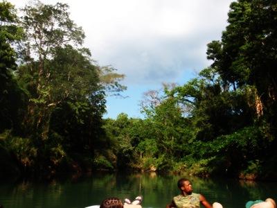 Flutuando rio abaixo...