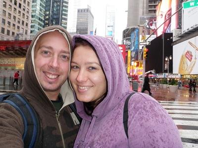 O casalinho em Times Square
