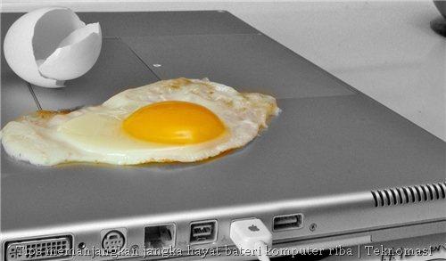 Komputer riba yang boleh memasak telur goreng. Hebat!