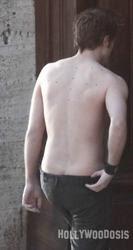 Fotos: Robert Pattinson sin ropa y ensayando besos con K