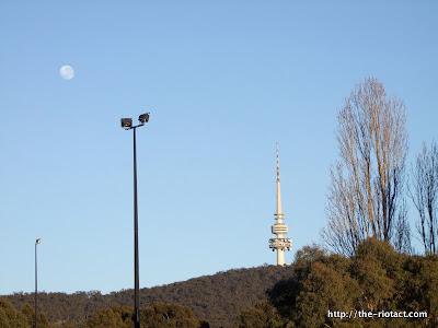 full moon and telstrayama