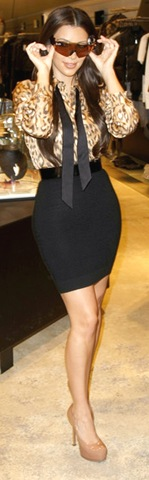 Kim Kardashian Kim Kardashian Visits Munich bOwebOnmqjtl