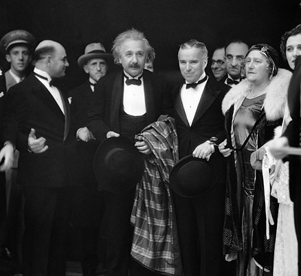 Albert Einstein and Chaplin arrive for the opening of City Lights