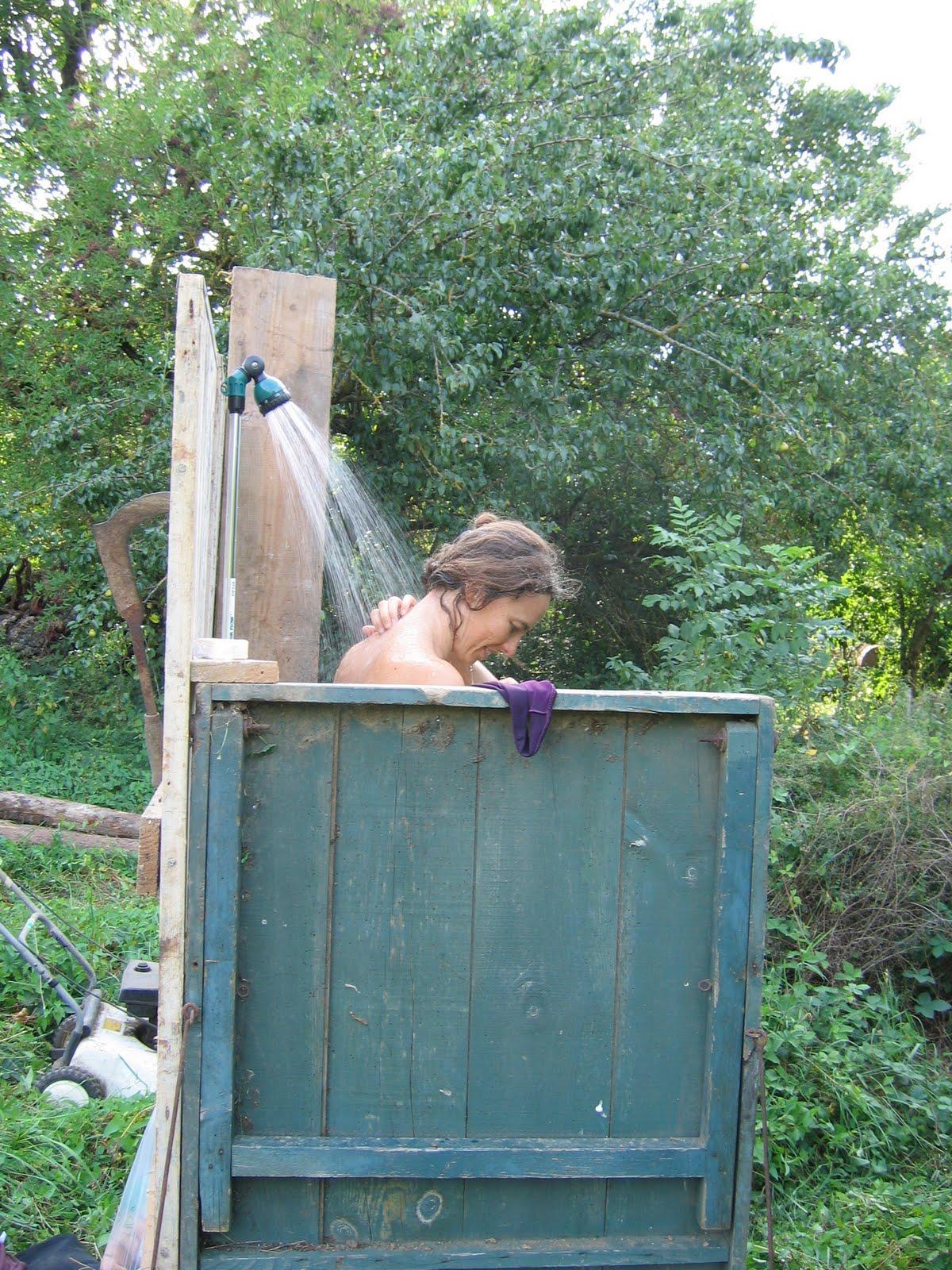 Des travaux brassac - Construire douche exterieure ...