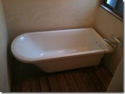 自然素材の家 浴室バスタブ