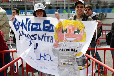 болельщики Нико Росберга на Гран-при Испании 2010