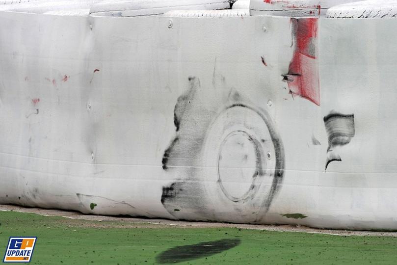 след от покрышек Формулы-1
