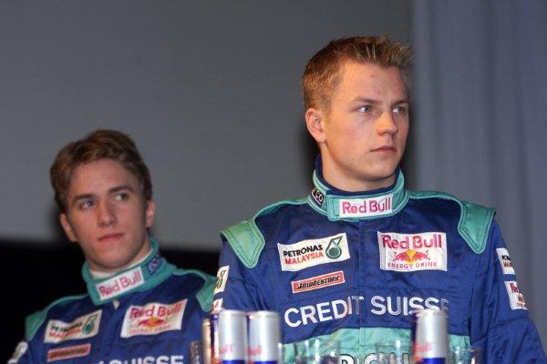Кими Райкконен и Ник Хайдфельд в Sauber 2001 год